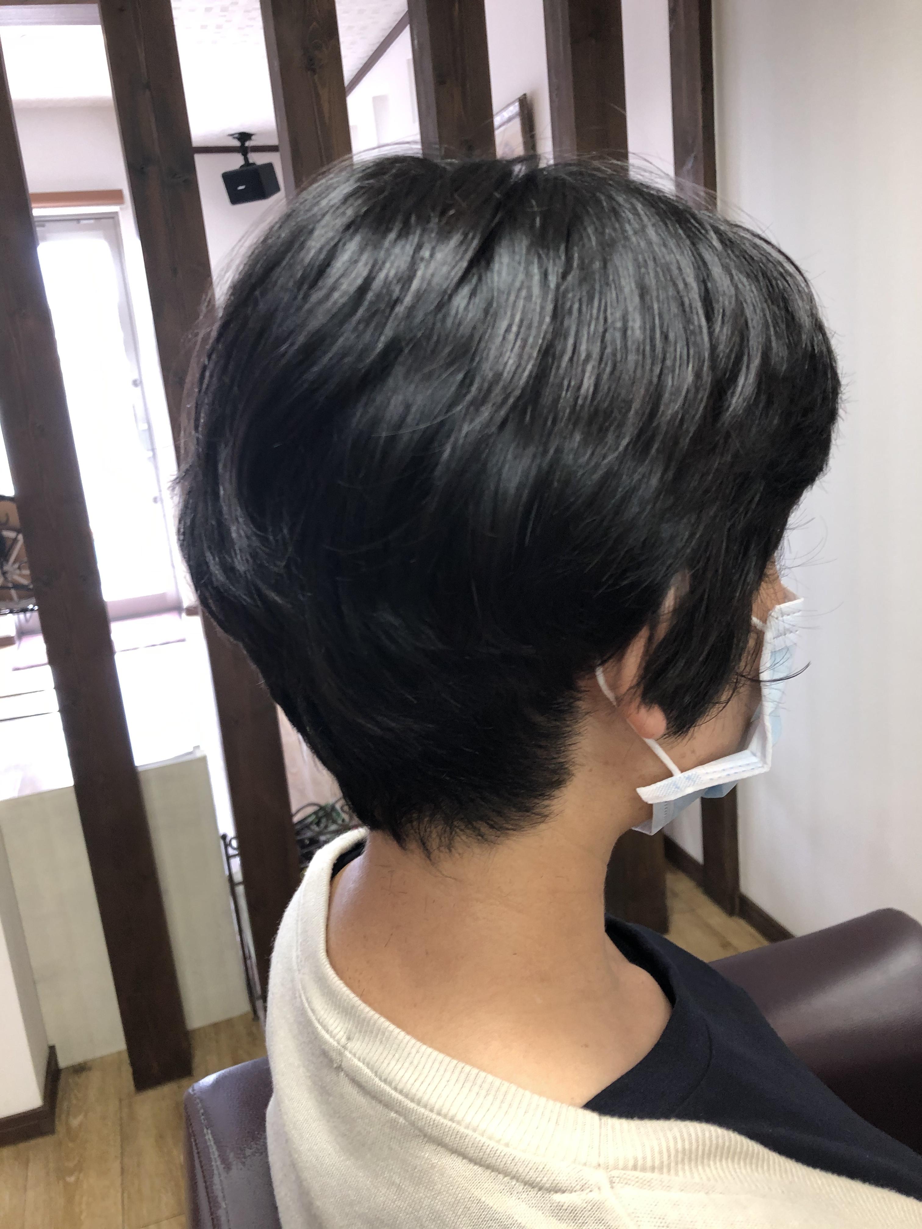 くせ毛をいかしたショートスタイル 阿南市 羽ノ浦 美容室 アーティ